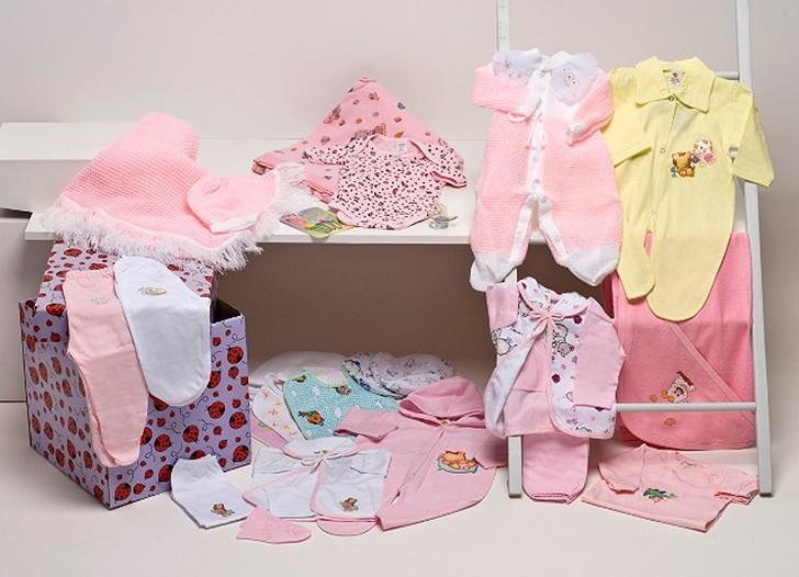 Etiquetas bordadas em confecções especializadas em moda infantil