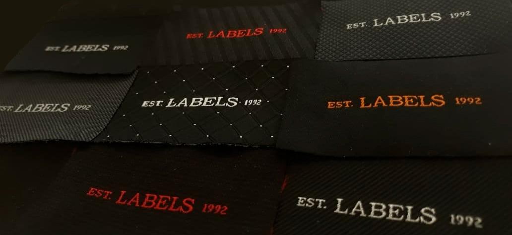 Bons motivos pra usar preto nas suas produções etiquetas bordadas