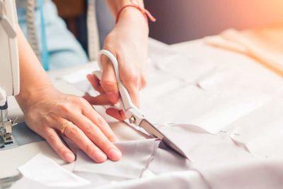 Etiquetas para roupas: veja o que é necessário e evite que sua confecção seja multada