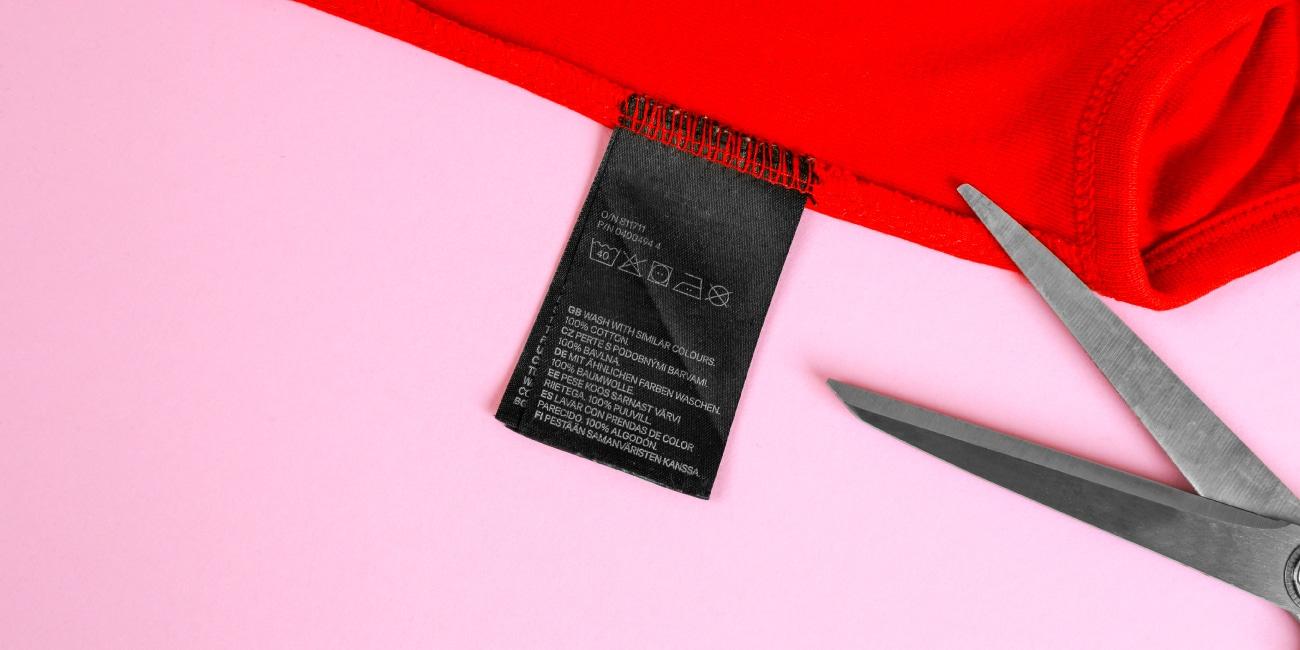 Não remova as etiquetas das suas roupas!