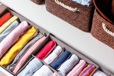 7 dicas para organizar o guarda-roupa de maneira funcional!